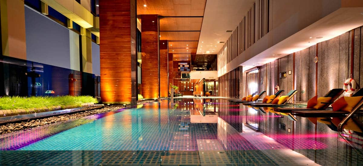 Bangkok S Best City Center Hotels 5 Star Luxury Reviewed 2016 The Renaissance Hotel