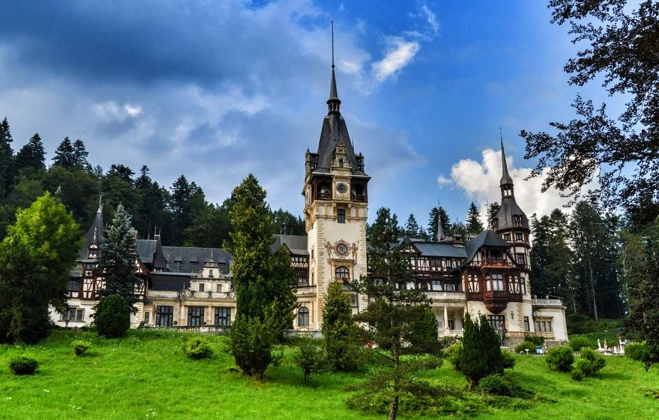 Backpacking Romania Guide To Backpacking Around Romania - 5 things to see and do in transylvania