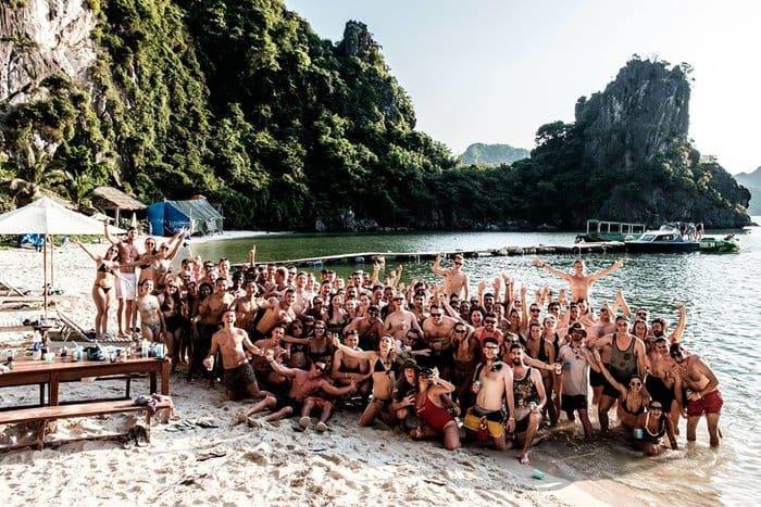 Cheap Asia Tours - Castaways Island Vietnam Backpackers